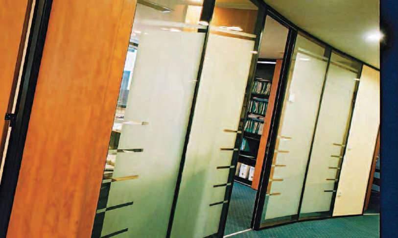 Cloison de bureau amovible avec vitre fumée