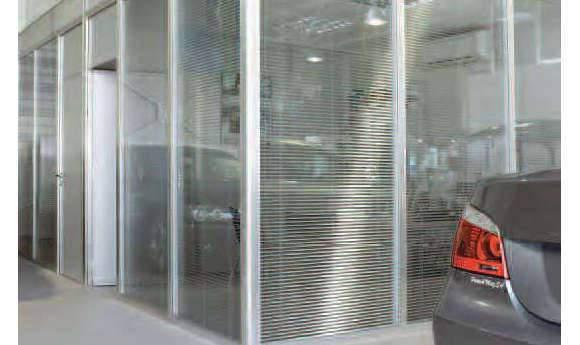 Cloisons pour garage automobile, séparation des bureaux