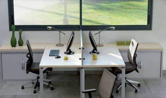 Mobilier de bureau, chaise, bureau et armoire de rangement