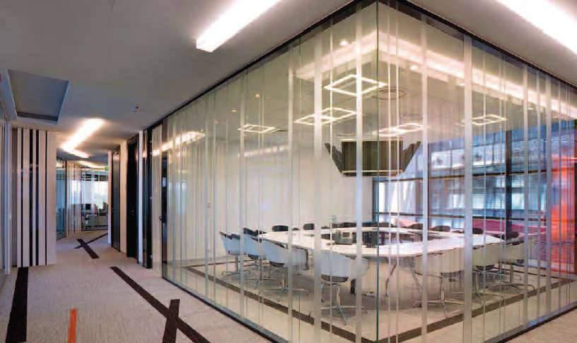 Cloison amovible transparente vitrée