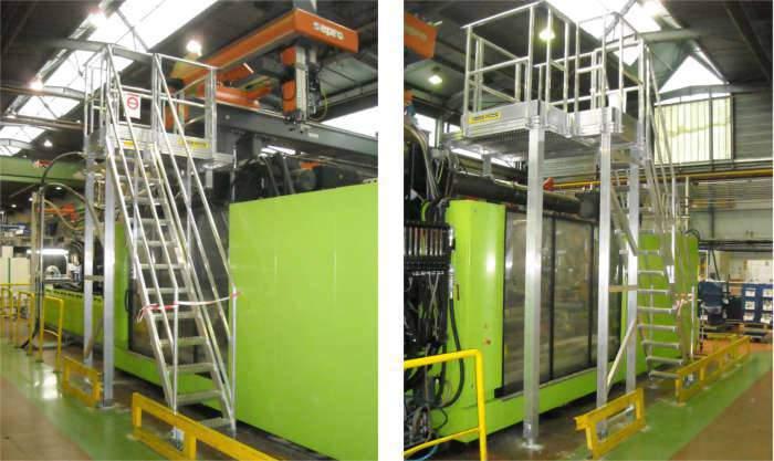 Escalier d'accès en hauteur en métal pour machine industrielle