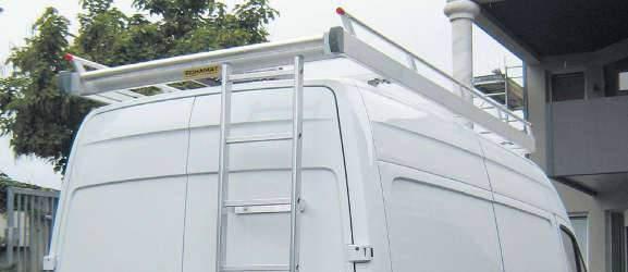 Aménagement de fourgon avec galerie de toit avec échelle fixe