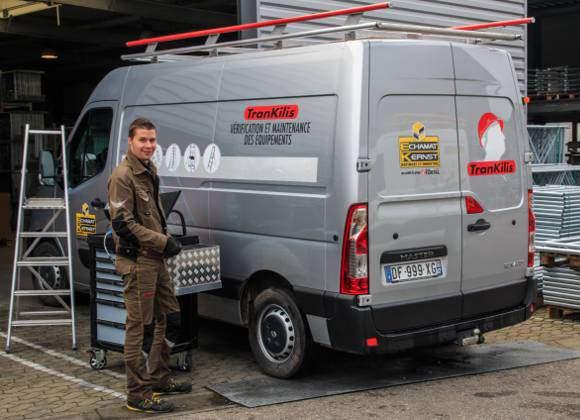 Technicien maintenance d'équipement d'accès en hauteur